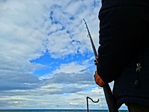 女が一人で釣りに行ってたら浮く?