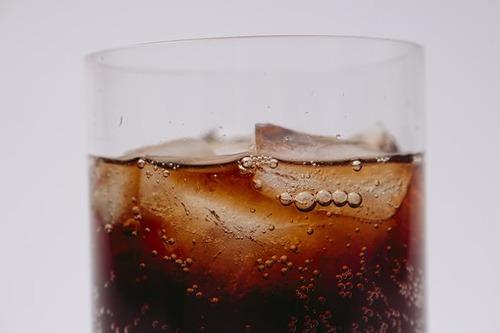 初めてコーラ飲んだ時の感想wwwwwwwwwwww