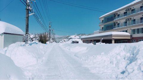2月の福井大雪被害でも24時間 セブンイレブンが営業停止拒否で オーナー「妻は過労で救急車で運ばれ自分は50時間不眠で死ぬかと思った」