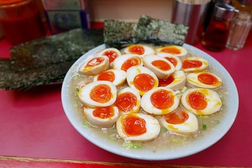 【画像】ラーメンショップで味付玉子を10個入れた人が見つかる