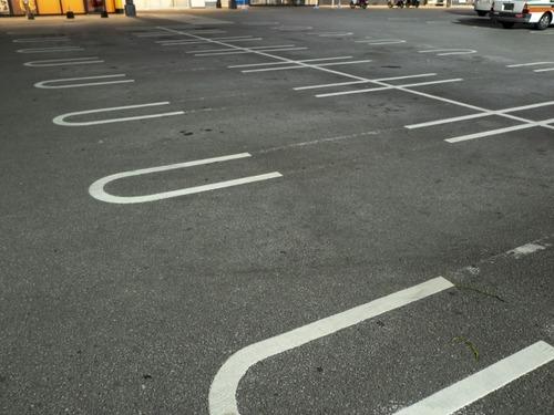 「近道をしようとしていた」飲食店の駐車場を横切る71歳運転のトラックに撥ねられ3歳女児死亡。大分県宇佐市