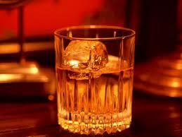 ロックでウイスキーを飲むなら氷にもこだわろうぜ