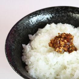 「行者にんにくの三升浸け」イカ刺しにあえたり焼肉のタレに混ぜたり(゚∀゚)=3