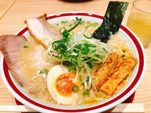 【悲報】ラーメンのスープにご飯を入れる民、これまで一度も出会ったことない