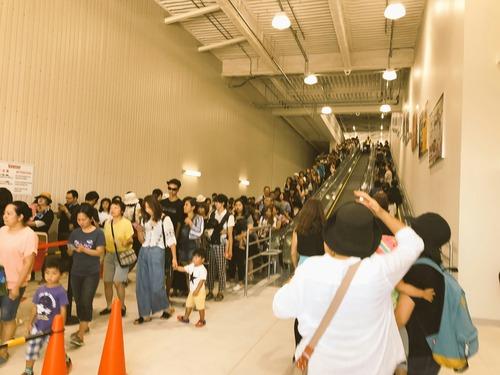 今日からオープンのコストコ浜松店、駐車場に入るのに5時間、入店に2時間wwwwwwwwwww