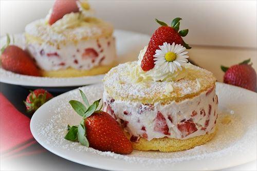 strawberries-1353274_640_R