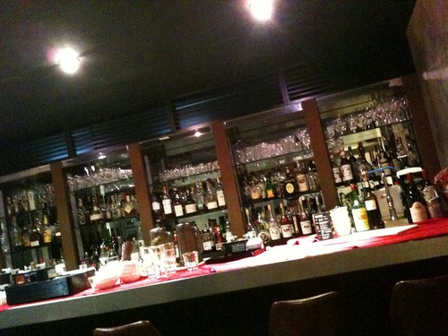 barのオーナーだけど質問ある?