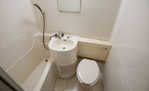最初に「バストイレ一緒」の部屋を広めた日本人誰だよ