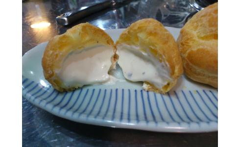 カスタードの代わりにチーズを入れた甘くないシュークリームを作ってみたよ