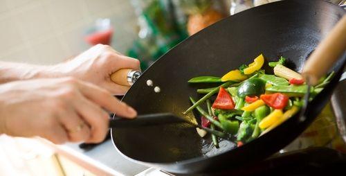 旦那に料理作らせると料理オタクになるからやめろって。