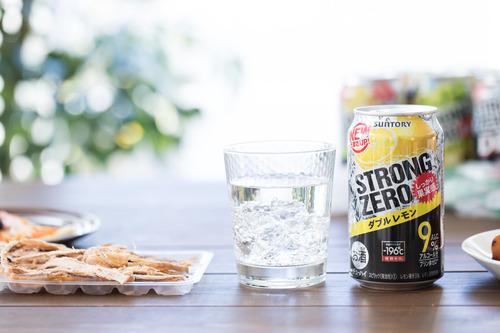 ビールが売れなくなり安くて度数の高いストロング系が人気なのは貧困層が爆増したからじゃね?