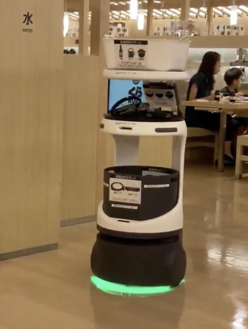【朗報】くら寿司さん、めっちゃ高性能な自動走行ロボットを導入してしまう