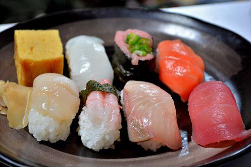 【朗報】北海道、100円寿司チェーン店ですら美味い