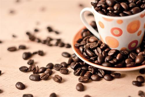 一杯数百円のコーヒーで何十分も居座わられて 喫茶店・カフェってどうやって利益上げてるの?