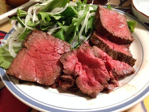 ローストビーフって肉を不味く食う方法じゃね?