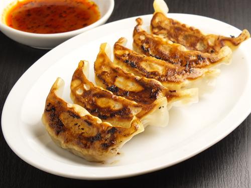 台湾「餃子は主食であってコメといっしょに食う習慣はないんだが?」