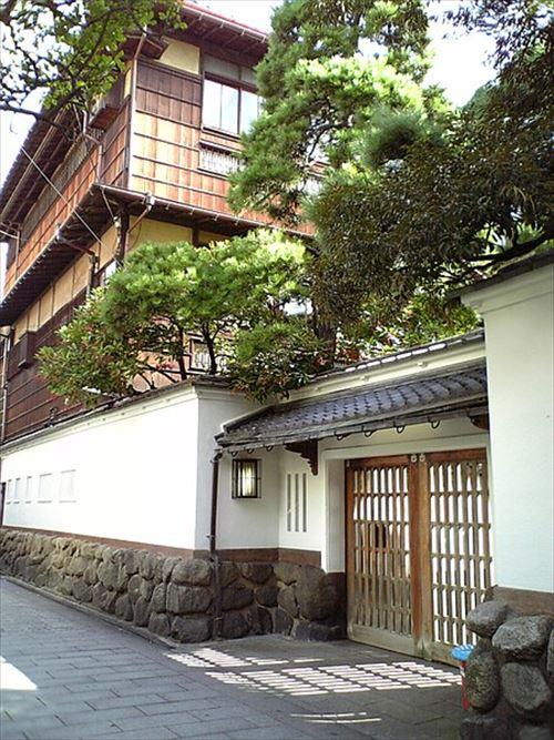 450px-Nabedyaya_Niigata_20070917_R