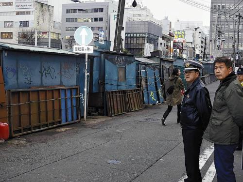 横浜「リバーサイド」おでん屋台ピーンチ