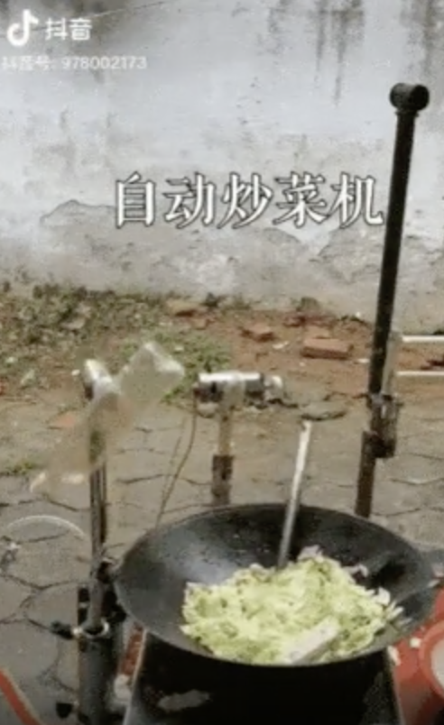 【悲報】中国さん、ついに全自動野菜炒めマシーンを完成させてしまう