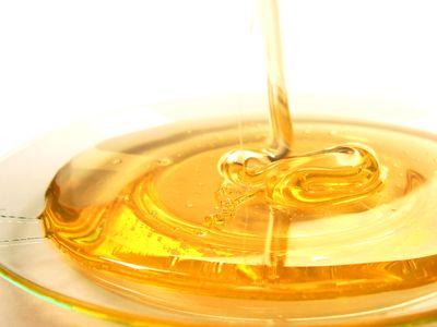 彡(゚)(゚)「牛乳に蜂蜜入れて飲んだらうまいなあ...」
