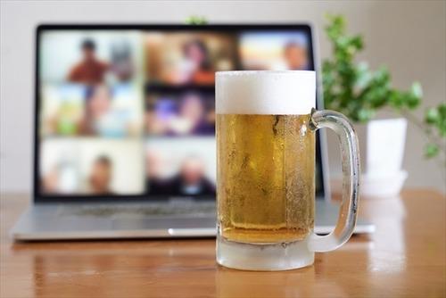 【悲報】コロナさん、会社の飲み会は必要ないことを証明してしまう