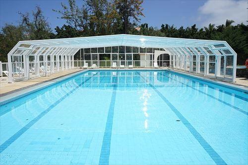pool-375464_640_R