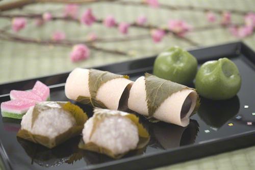日本のお菓子「うーん何かが足りない。せや、塩入れてみよ」