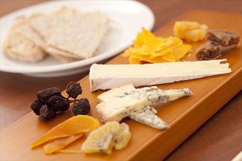チーズ食える奴wwwwwwwwwww