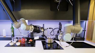 世界初!ロボットが全自動で一流シェフ並の料理を作る「ロボットキッチン」登場