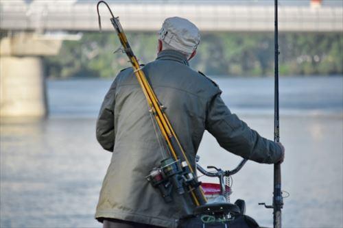 これから魚釣りを始めるやつにアドバイスするなら、釣具はちょっと高いのを買うのだ