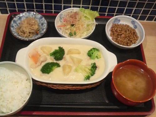 【朗報】シチュー定食(850円)のクオリティが高すぎる