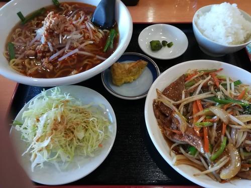 ワイ「じゃあこのニラレバ定食(670円)ひとつ」台湾料理屋店員「ハイー」