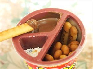 アラサー男女の一番古いお菓子の記憶……「つくんこ」「ヤンヤンツケボー」「ねるねるねるね」