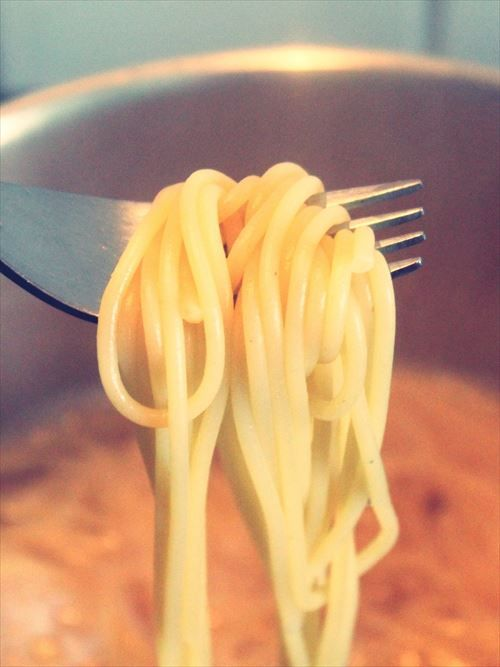 spaghetti_cook_water_boiling_water_pot_fork_eat_noodles-725324_R