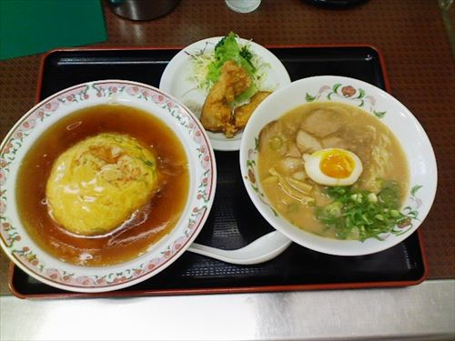 Tenshin_don,_ramen_and_karaage_by_rhosoi_in_Kyoto_R