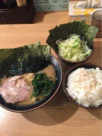 家系ラーメンとかいう日本一旨い食い物wwwwwwwwwwww