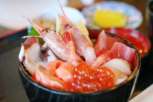 海鮮丼→うまーい!カツ丼→うまーい!親子丼→うまーい!