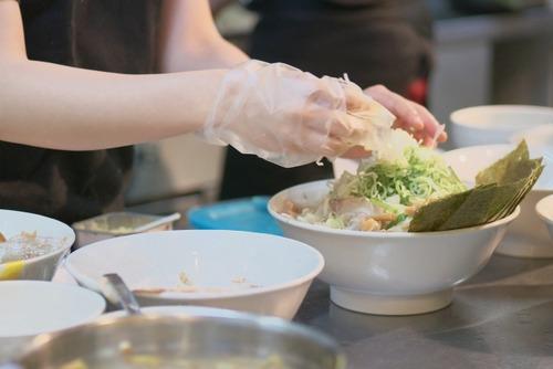 ラーメン屋「麺は製麺所に委託してます」←え!?じゃあスープ作って具材載せるだけの仕事?