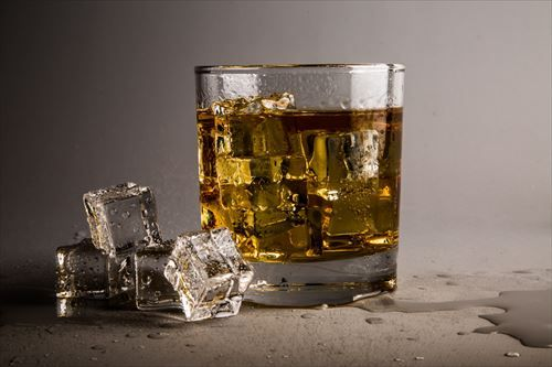 glass-with-whiskey-1462561617wKV_R