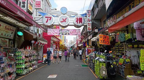 これから上野に行くんだがそこそこリーズナブルで食えるおすすめ昼食を教えてくれ
