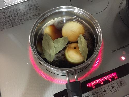 豚バラの塊からベーコン作ってみた