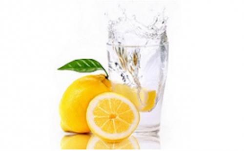 ラーメン屋「水にレモンいれたろ!」