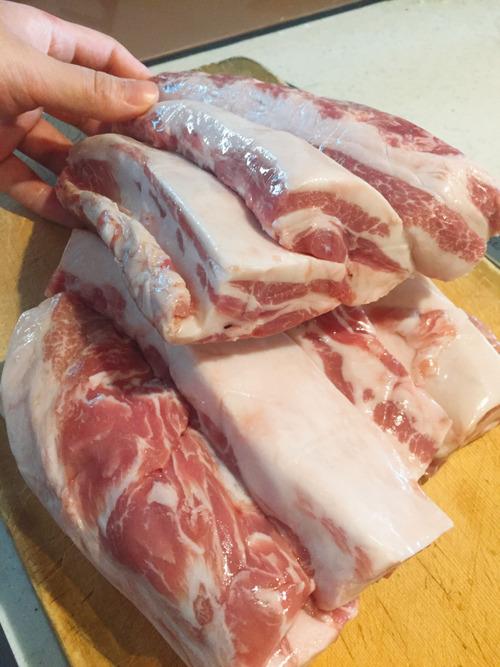 腹減って死にそう。豚バラブロックがあるんだけどレシピ考えてくれ!