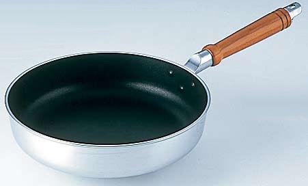 炒飯作るのにお玉使ってほぐしてたらテフロン加工のフライパンがズタボロになった