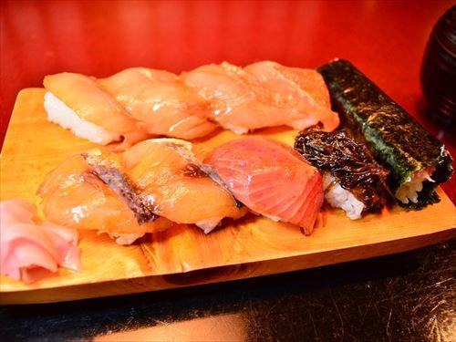 カウンターの寿司屋で通ぶるにはどうしたらいいか教えてたもうれ