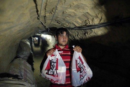 【パレスチナ】ガザ地区でケンタッキー・フライドチキンを密輸するサービスが人気 夜注文→翌日18時に配達