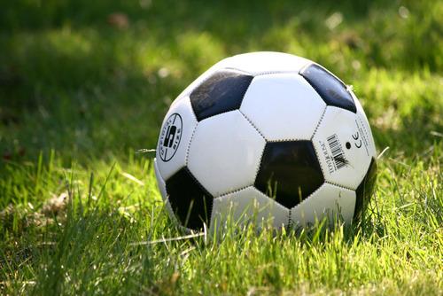 男子高校生「公園でサッカーをしていただけで通報されるなんて監視されているみたいで怖かった」