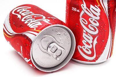 コーラは缶が一番うまいって言ってるやついるけど