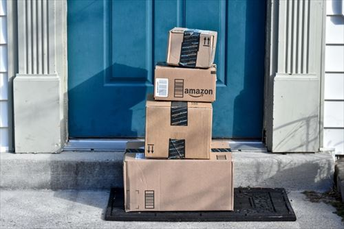 Amazonの「置き配」って常識的に考えて盗まれるよな