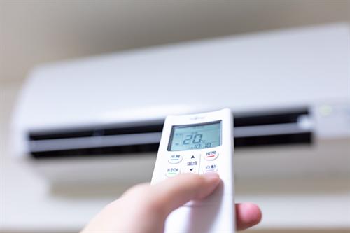 【悲報】エアコンがフル稼働すぎて来月の電気料金がヤバそう